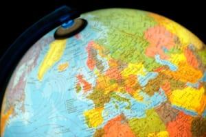 仮想通貨をめぐる規制、米国と欧州でなぜここまで違う?