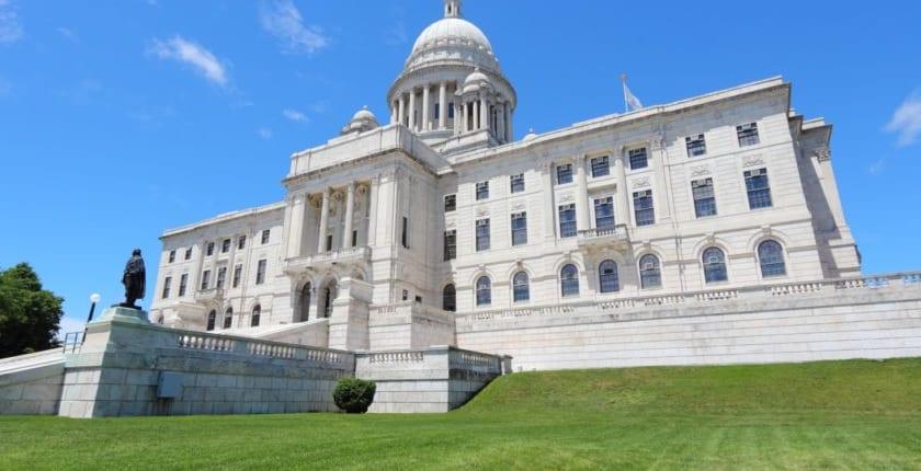 米ロードアイランド州、消費目的のブロックチェーントークンを証券法対象外とする法案検討
