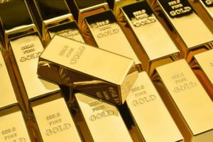 ビットコインと金、逆相関を強める──弱気の金はBTCの強気をさらに強めるか?