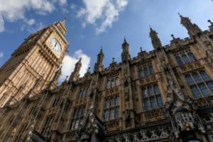 英国、金融犯罪を取り締まる計画を発表。暗号資産制度を新たに設立へ