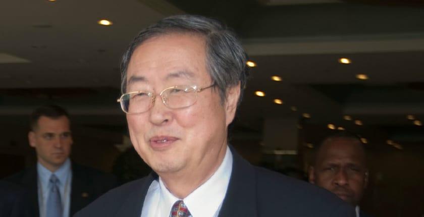 リブラに対抗するために「デジタル人民元を準備すべき」:中国人民銀行・前総裁