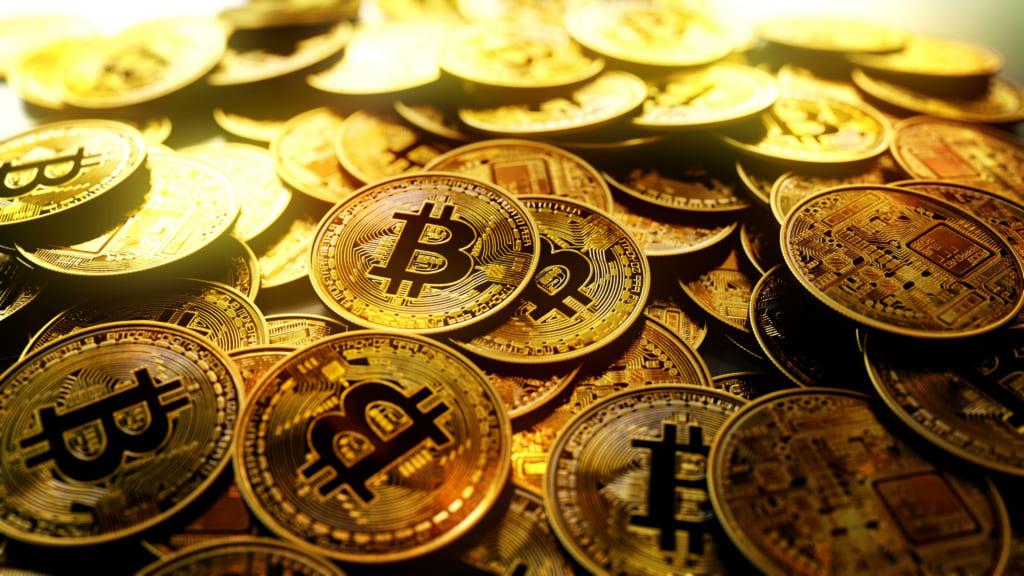 ビットコインと金のチャートが類似!どっちが良い?価格の相関、比較