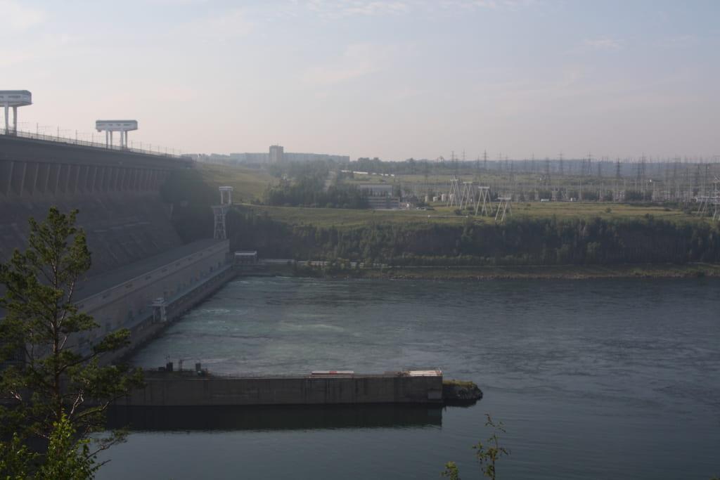 ブラーツクの水力発電所