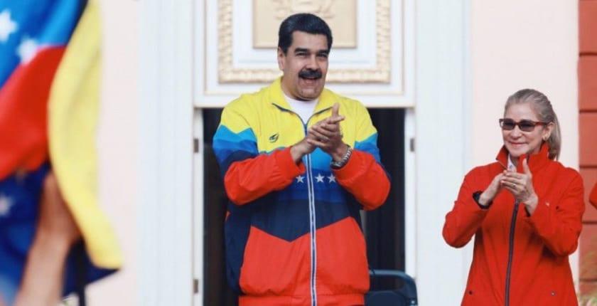 トランプのタックル避け、仮想通貨でトライしたい大統領、経済封鎖のスクラムに挑む ― 法定通貨とは「ノーサイド」のベネズエラ?