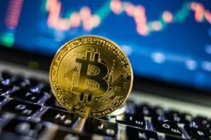ビットコイン、弱気相場に突入か ― 24時間で3兆円消失、1,000ドルの急落、6月以来初の8,000ドル割れ