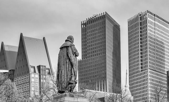 仮想通貨業者 VS 規制当局——資金洗浄を巡りオランダで散る火花
