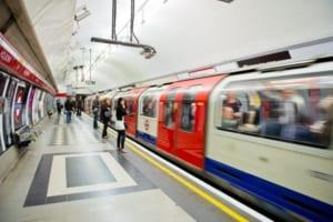 中国の仮想通貨投資企業にロンドン地下鉄広告の撤去要請