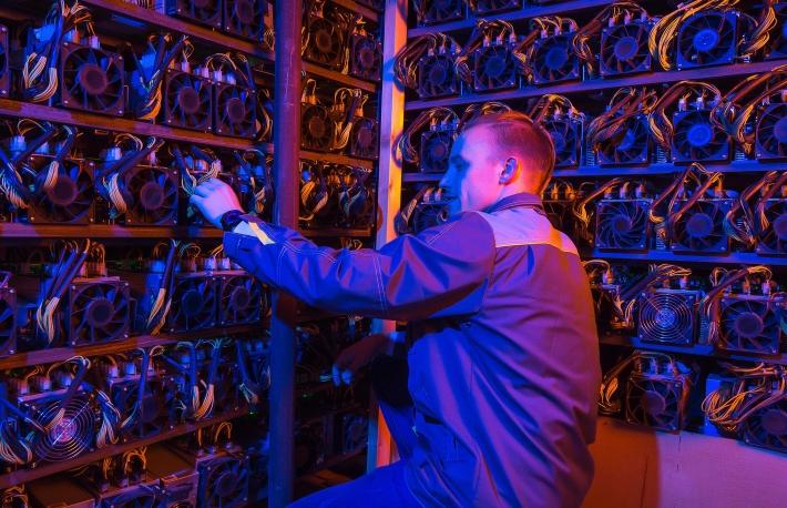 ビットコイン下落、マイナーの在庫データが暗示していた
