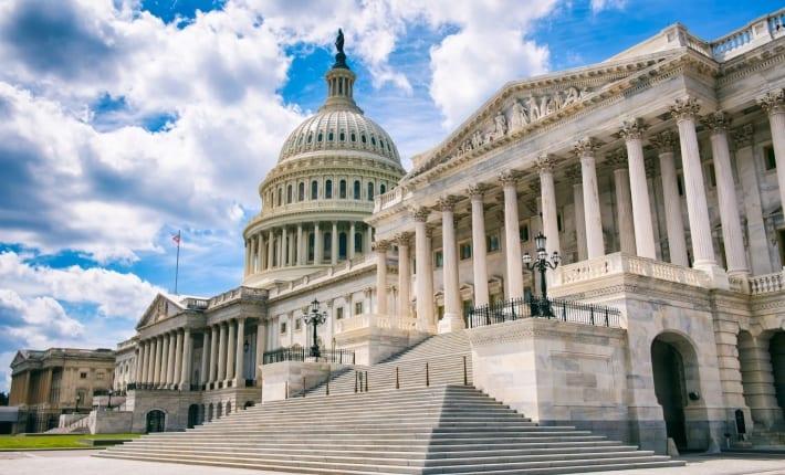 """「デジタルドル」米下院で削除後、上院で再登場──""""FedAccounts""""ウォレットの提案も"""
