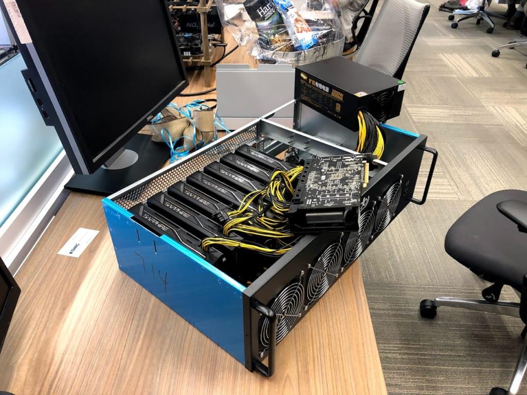 GPUマイニングマシンの内部
