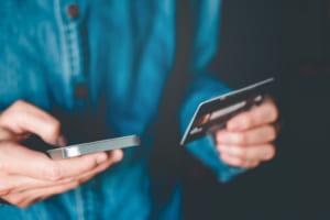 「40年以上変わらない銀行間送金手数料の是正を」公取委が要求──銀行API接続交渉の期限控え、フィンテック調査を公表