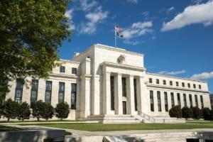 FRBのゼロ金利維持でもビットコインに流入する資金──強まるインフレヘッジの動き