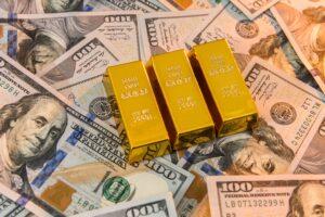 ドル懸念は深まっているのか──バフェットの金鉱山開発株の購入にざわめくウォール街