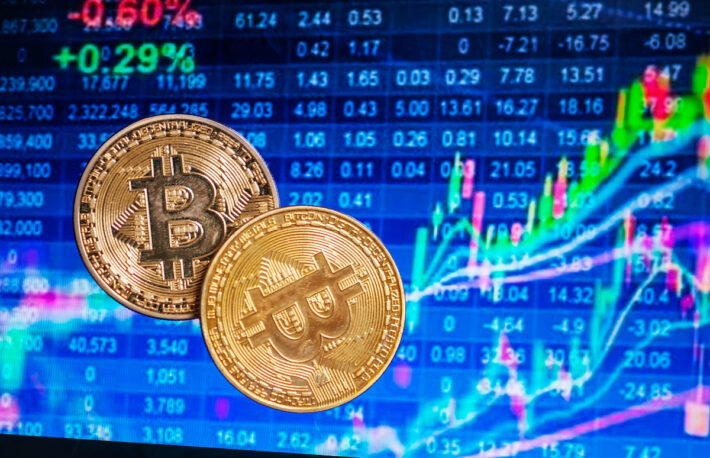 ビットコイン、8月のパフォーマンスがS&P500を下回る