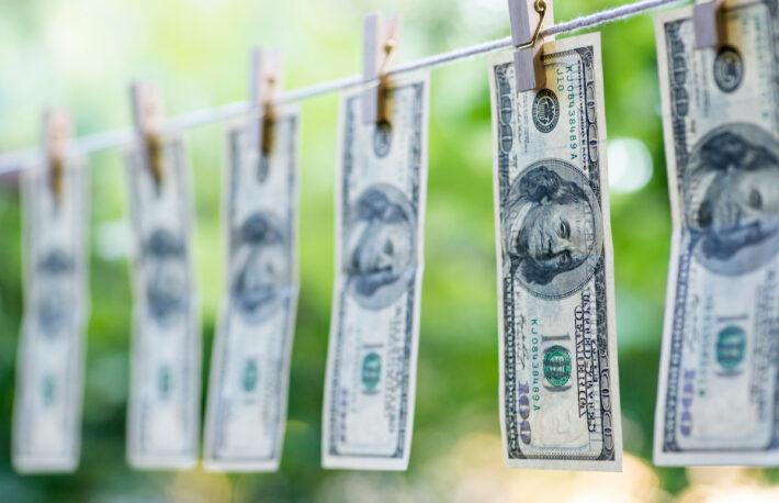 ドル依存高まる暗号資産は問題か──揺らぐアメリカとドル覇権