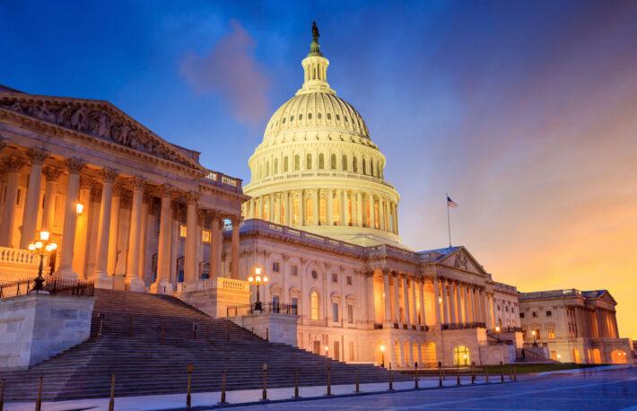 米議会の与野党、93兆円のコロナ対策に合意──ビットコイン、上昇に転じる