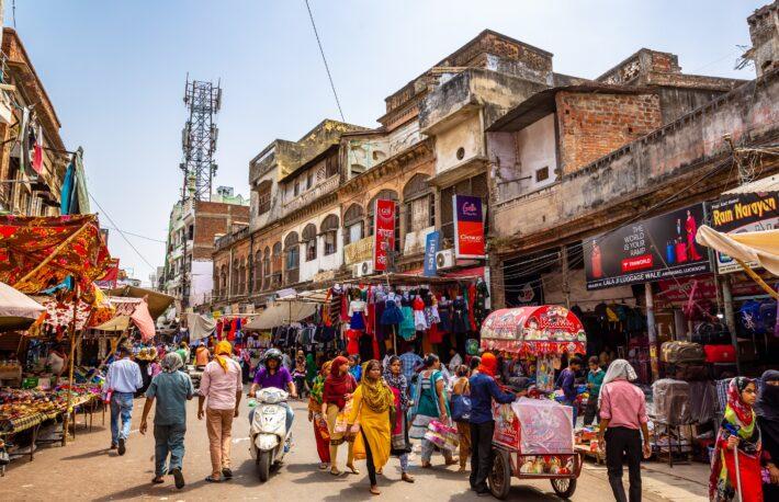インド、ビットコイン取引に18%の課税案:報道