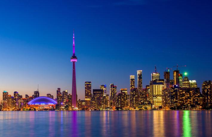 上場企業によるビットコイン投資、カナダで相次ぐ──資本の多様化に暗号資産
