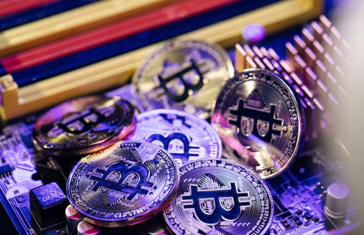 長期保有者、ビットコイン供給量の15%を蓄積──価格上昇を後押し