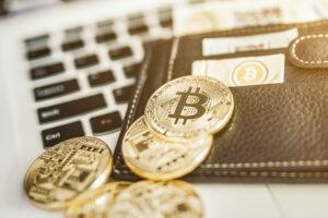 銀行勤務の技術系社員はビットコインを信頼:米国のアンケート調査