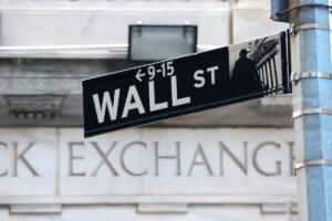 ビットコインと株式との違い──BTC関連12銘柄(北米)