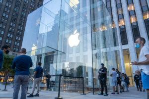 Apple、Microsoftの株式をトークン化──バイナンスがサービス拡大、規制当局は警戒強める