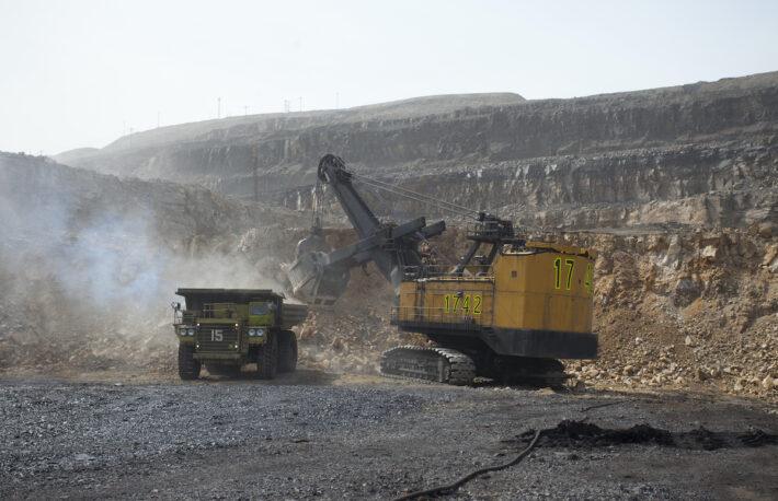 ビットコインの取引手数料、過去最高水準──中国の炭鉱事故も要因か