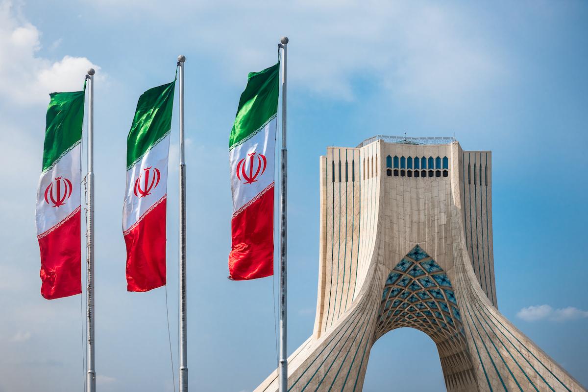 イラン、暗号資産マイニングを許可──電力不足による禁止から一転
