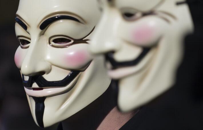 ハッカー集団を名乗るグループ、イーロン・マスク氏に挑戦状──YouTubeに批判動画