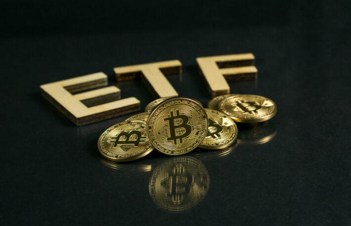 米SEC委員長の発言、ビットコイン現物ETFには不利な展開