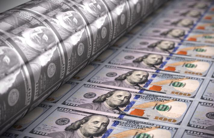 インフレをめぐる大物投資家の対立:ウッド氏 vs バーリ氏