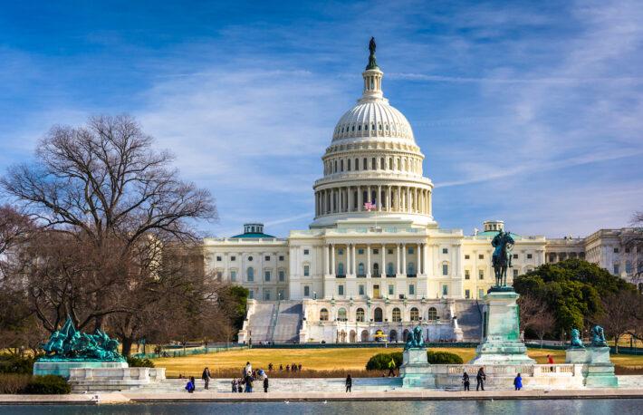 銀行システムを侵食する暗号資産、対応に苦慮する米規制当局:報道